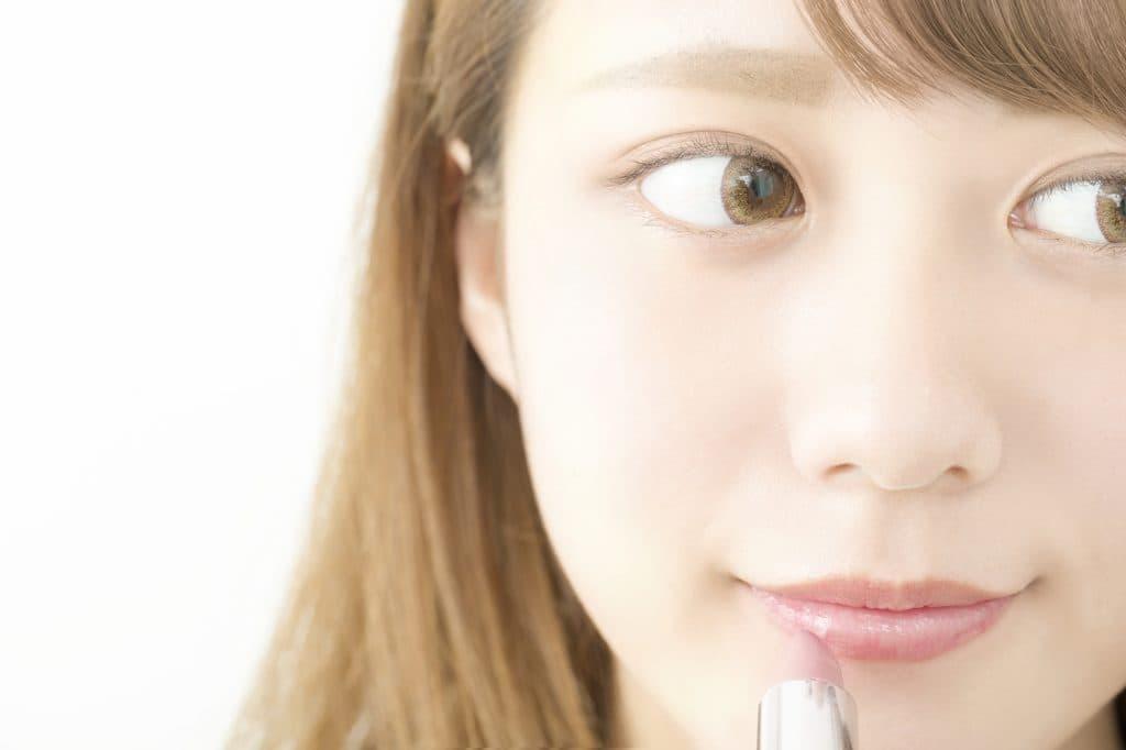 目の大きい女性